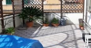 Ladispoli attico con terrazzo